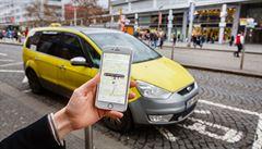 Řidič Uberu s koronavirem vezl 90 lidí. Též pronajímá byt přes Airbnb, mohl se nakazit od německých hostů