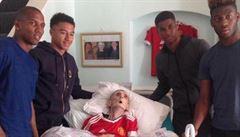 Dědeček chtěl vidět své fotbalové hrdiny. Zemřel 45 minut po jejich návštěvě