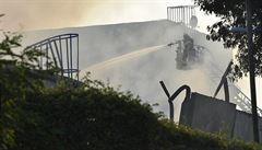 V Brně hasiči dohašují požár hal, tři jsou zranění