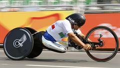 Před patnácti lety přišel o nohy, teď bývalý pilot F1 Zanardi na paralympiádě znovu obhájil zlato