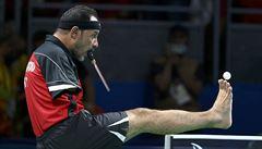 Bezruký stolní tenista udivuje svět. Pálku drží v puse a říká: 'Nic není nemožné'
