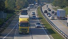 D1 je po havárii kamionu ve směru na Prahu již zčásti průjezdná