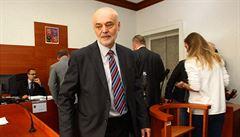 Soud musí znovu řešit Ošťádalovu žalobu kvůli profesuře, Zeman mu ji nechce dát