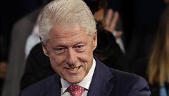 FBI zveřejnila dokumenty o Clintonově milosti pro sponzora demokratů. Týden před volbami