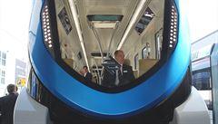 Metro pro šejky má oddělené třídy i autořízení. Berlín zažil premiéru 'pozlaceného' vlaku