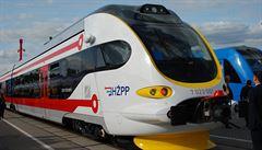 Železnice budoucnosti: V Berlíně se představil vlak na vodík i 'hybrid' s motorem ve střeše