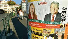 Těšte se na velkou volební kampaň. Zájem stran o sloupy převyšuje nabídku