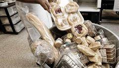 Školní jídelny vyhodí každý den 238 tun jídla, uvedla iniciativa