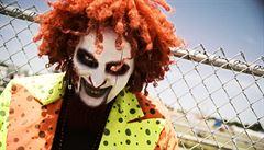 Ameriku straší epidemie děsivých klaunů. Lákají děti do lesa a otravují lidi na ulici