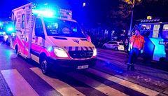 Fotili selfie s umírající ženou a překáželi záchranářům. Zvědavce v Plzni musela rozehnat policie