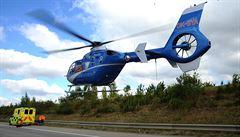 Na Kolínsku havarovala dvě osobní auta, jednoho ze zraněných do nemocnice přepravil vrtulník