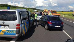 Dálnice D4 byla uzavřená kvůli čtyřem nehodám. Několik lidí se zranilo