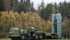 Nafukovací modely tanků i letadel. Rusko mate nepřátelské bombardéry