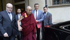 Čína už v úterý hrozila Česku kvůli dalajlámovi. Hrad vzápětí prohlášením podpořil Peking