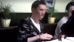 Policie v pražské restauraci zadržela ruského hackera. Při zadržení zkolaboval