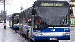 Dopravní podnik v Ostravě začal častěji uklízet, ubývali mu cestující