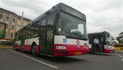 Vyhrazené pruhy pro autobusy mají být i pro motorkáře. Praha prověřuje legálnost