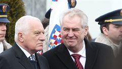 Zeman s Klausem uctili Masarykovu památku, k jeho hrobu položili věnce