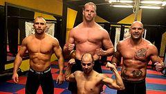 Obrovitý kapitán ragbyové reprezentace Bob Voves: Chci se stát mistrem Evropy v MMA