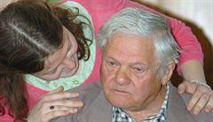 Hermanův strýc Brady, který přežil Osvětim, měl dostat vyznamenání. Hrad ho v pátek vyškrtl