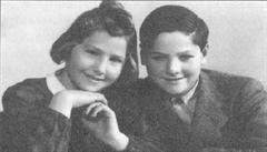 Brady přežil holocaust a vypráví příběh své sestry: Poslali ji rovnou do plynu