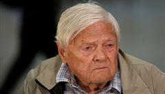 Podle většiny Čechů by měl Zeman dát Bradymu vyznamenání. Více lidí věří Hermanovi