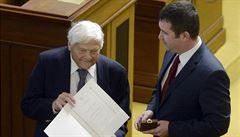 Brady převzal ve Sněmovně pamětní medaili a list