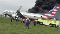 V Chicagu začal hořet Boeing 767 při odletu. Dvacet lidí bylo zraněno
