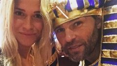 Jágr šel na Halloween za Faraona. Jarda je bůh a Veronika jeho bohyně, reagují fanynky