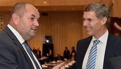 Kejval zůstane šéfem ČOV, plénum zvolilo coby místopředsedy i Haníka s Peltou