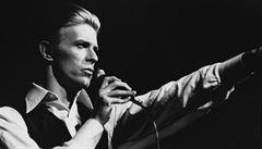 Britská pošta vydává na počest Bowieho ojedinělou sadu známek