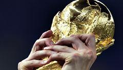 Zemřel tvůrce trofeje pro fotbalové šampiony Gazzaniga
