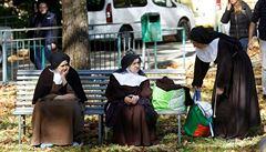 Přes 15 000 Italů nemá po zemětřesení kde bydlet. Zásah dostaly i římské památky