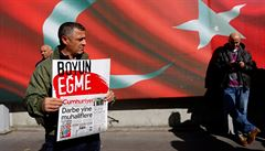 Turecká policie zatkla kvůli puči novináře listu, který je 'symbolem turecké republiky'