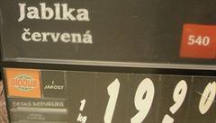 Globus vydával polská jablka za česká. Obsahovala sedminásobnou dávku pesticidů