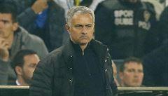 Usmaží se na horkém manažerském křesle 'Rudých ďáblů' také prostořeký Mourinho?