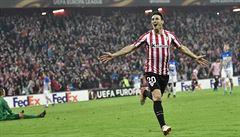 Aduriz dal rekordních pět branek, Mourinho padl s United na půdě Fenerbahce