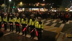 Desetitisíce lidí demonstrovaly v Soulu. Žádají odchod prezidentky