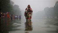Dillí a okolní města pokrývá hustý smog. Zavřeli školy
