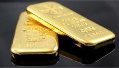 Důsledky nejistoty: světová cena zlata poprvé v historii překonala hranici 2000 dolarů
