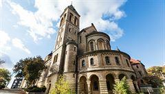Klášter benediktinek v Praze je k mání za téměř půl miliardy. Bude v něm hotel?