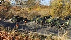 Tři pandury, které se srazily s osobním autem, jsou opravené a vrátily se armádě