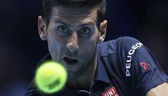 Turnaj mistrů: Djokovič vyzrál nad Raonicem a je prvním semifinalistou