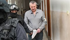 Soud otevřel případ dalších odběratelů nelegálního Březinova lihu, škoda na daních je 88 milionů