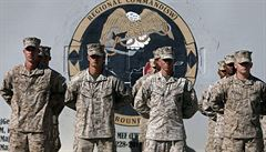 Americká armáda zrušila zákaz nabírání transgenderových osob