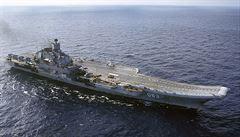 Admirál Kuzněcov zažil křest ohněm. Ruská letadlová loď dopravila do Sýrie řízené 'hloupé' bomby