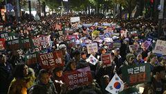 Korejci protestovali proti prezidentce, příští týden ji vyslechne prokuratura