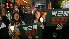 Jihokorejci opět vyšli do ulic, demonstranti požadují sesazení prezidentky
