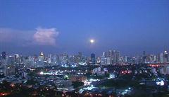 VIDEO: Superúplněk nad Bangkokem