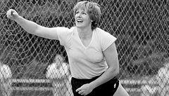 Spravedlnost po 32 letech. 64letá babička se přiznala k dopingu a svaz jí vzal rekord
